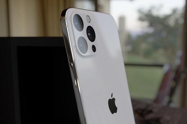 تقرير: هواتف iPhone 12 قد تأتي مع شاشة 120Hz