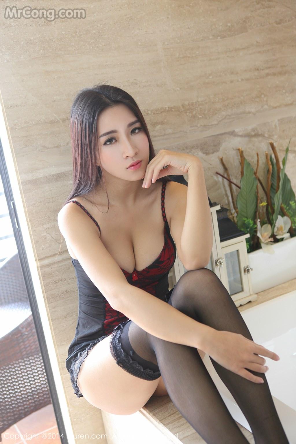 Image MrCong.com-XIUREN-No.258-Kitty-Xiao-Xi-006 in post XIUREN No.258: Người mẫu Kitty (小夕) (61 ảnh)