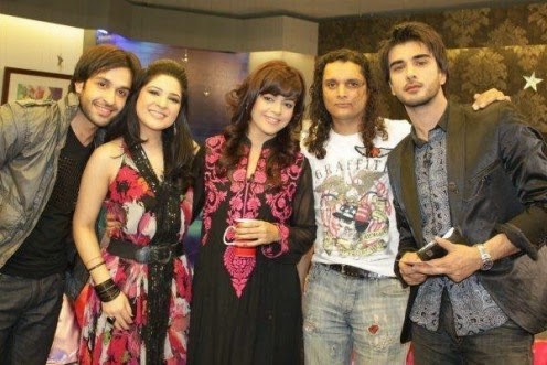 Pakistani Hot Actor Imran Abbas With His Family Unseen