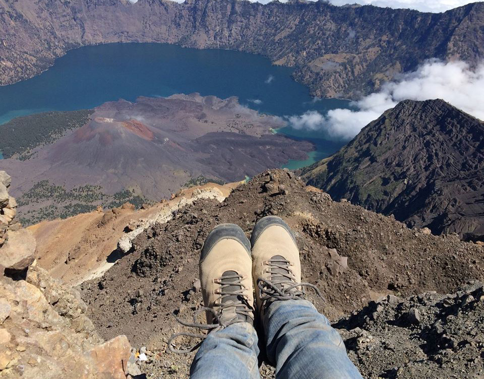 Bingung Mencari Sepatu Gunung  Ini Tips tips-nya - Explore Gunung c449ac78f7