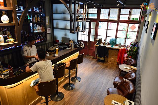 上世紀老酒雪茄館