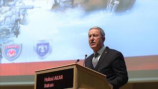 """وزير الدفاع التركي: مازال الإرهابييون في مناطق """"نبع السلام"""""""