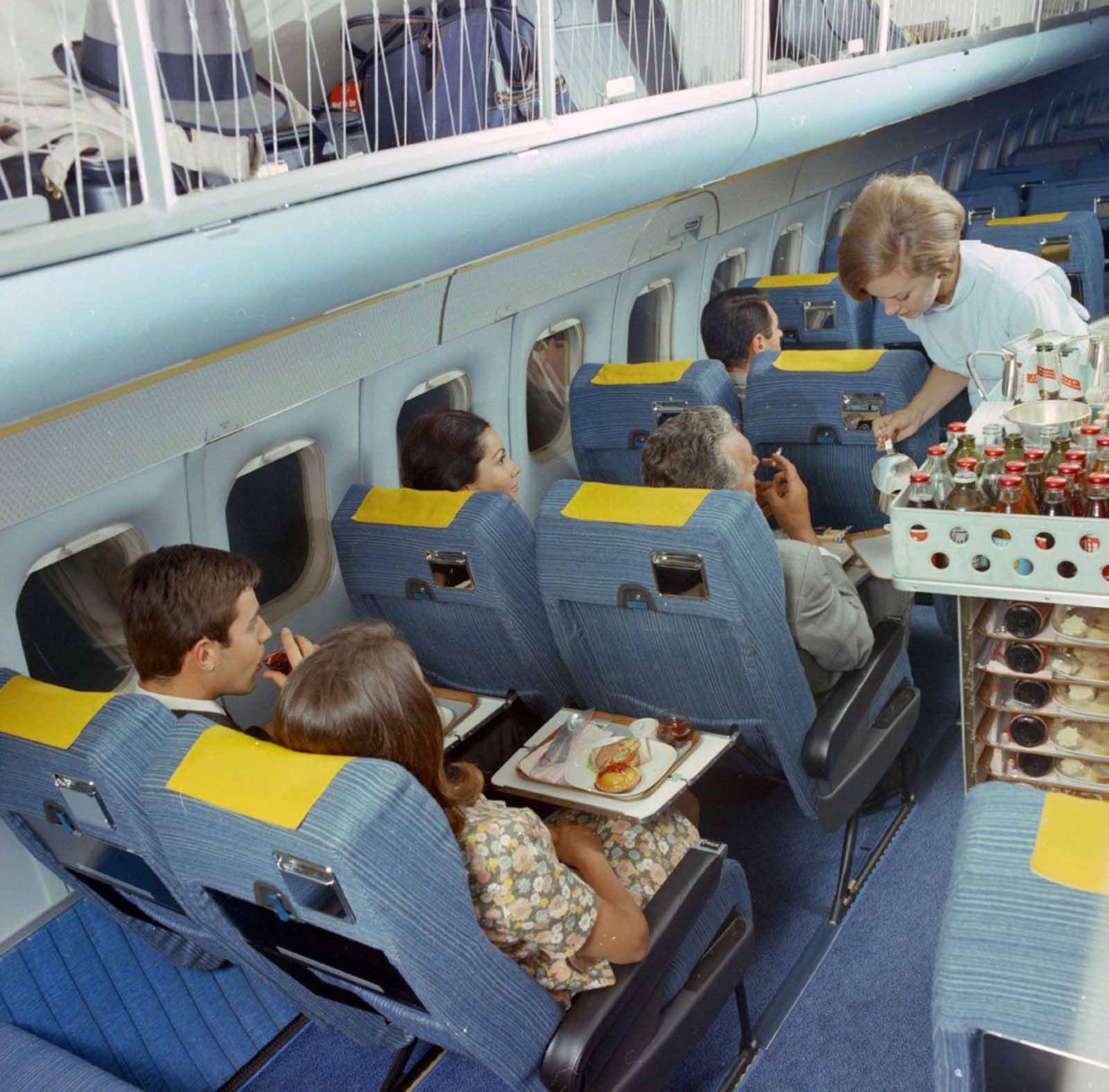 flying first class 1960s%2B%25287%2529 - Voando na primeira classe na década de 60