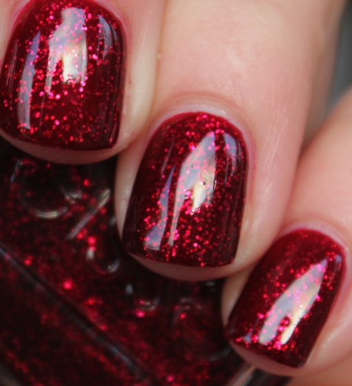 Xmas Nail Colours: Purrrpolish ~: Essie