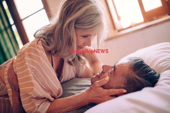 Tidak Hanya Meningkatkan Gairah Wanita, Ini Manfaat Lain Menghisap Payudara Saat Bercinta