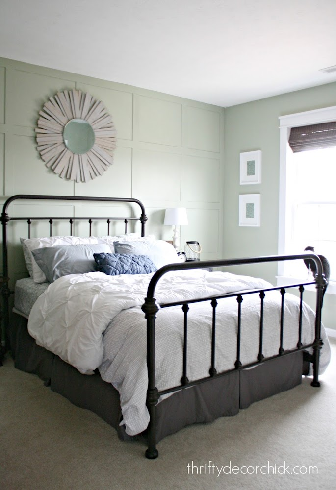 Metal bed with footboard