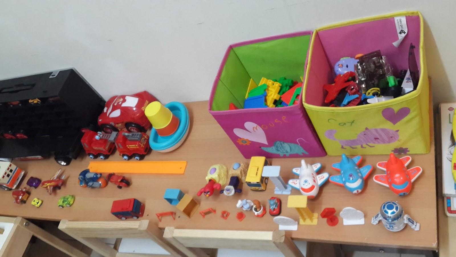 Toys N Joys Hawaii : Tengah malam aku mengemas dan menyusun playroom anak