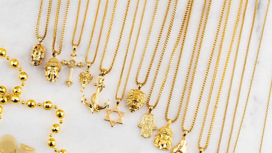 Men  Can Style Their  Look With Gold Chain