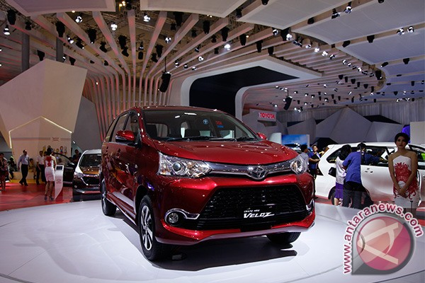 Grand New Veloz Vs Mobilio Rs Cvt Meja Lipat All Kijang Innova Toyota Utama Avanza Honda Pilih Mana