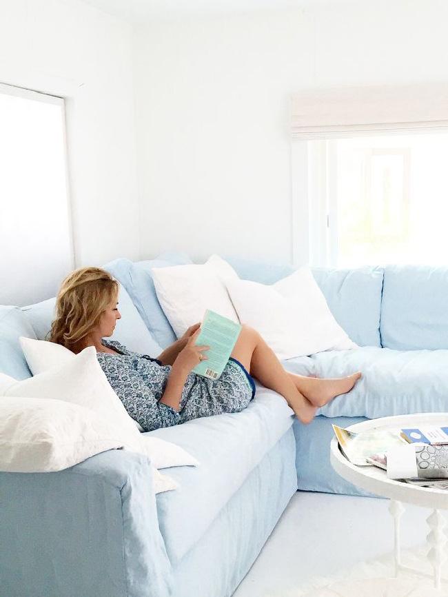 Arredare piccoli spazi: la mobilhome shabby chic di Rachel Ashwell soggiorno
