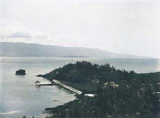 danau toba dan salah satu sudut wilayah prapat