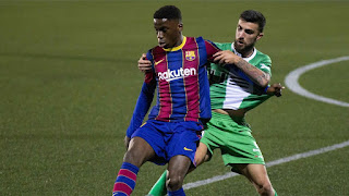 من جديد.. توقف مفاوضات تجديد عقد موريبا مع برشلونة
