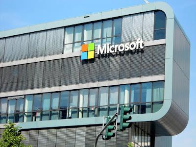 صورة عالية الدقة  لمبنى شركة مايكروسوفت العالمية من الخارج