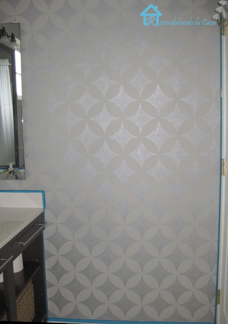 How to paint a design on wall