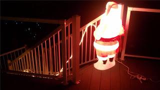pee christmasn santa claus stairs