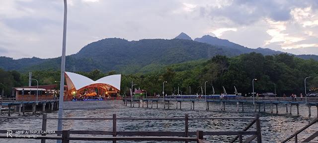 PANTAI FESTIVAL KAMPUNG KERAPU SITUBONDO