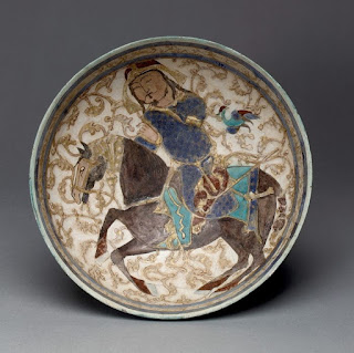 Чаша с принцем верхом на лошади