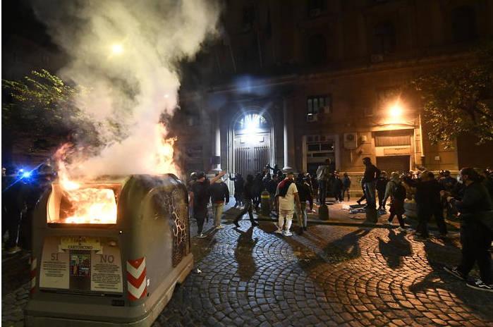 Rivolta a Napoli