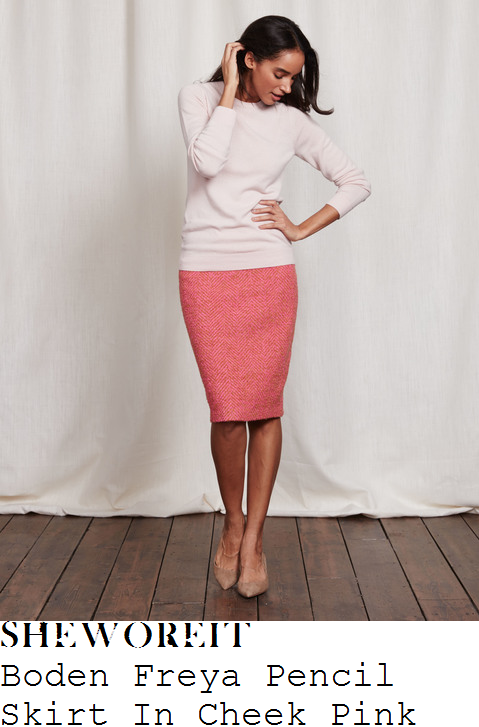 holly-willoughby-boden-freya-coral-pink-and-tan-high-waisted-textured-wool-mix-tweed-pencil-skirt