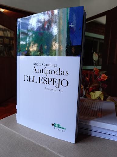 ANTÍPODAS DEL ESPEJO