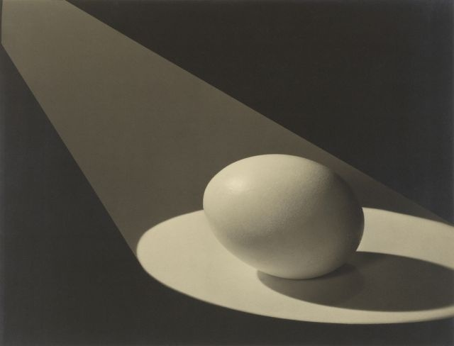 Paul Outerbridge, Egg in Spotlight, 1943