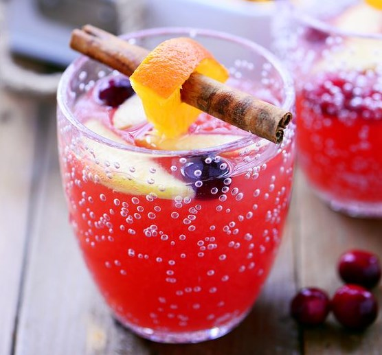 Cranberry Orange Holiday Punch #drinks #thanksgiving
