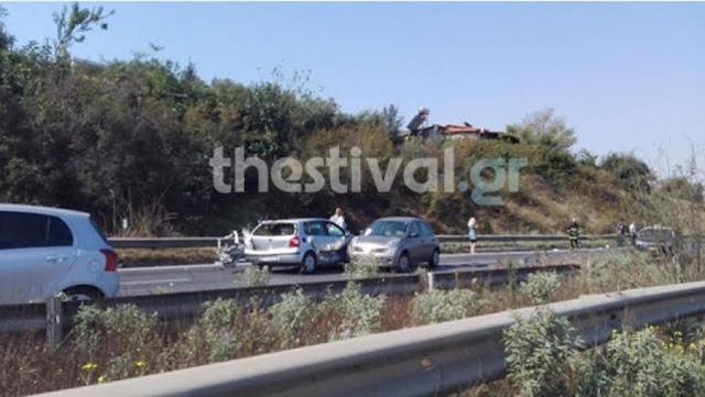 Καραμπόλα οκτώ οχημάτων το μεσημέρι του Σαββάτου στην Εγνατία οδο στη Βέροια.