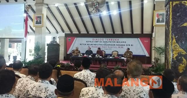 Buka Dialog Terbuka Kepala SMP, Plt Bupati : Sekolah Kekurangan Guru PNS