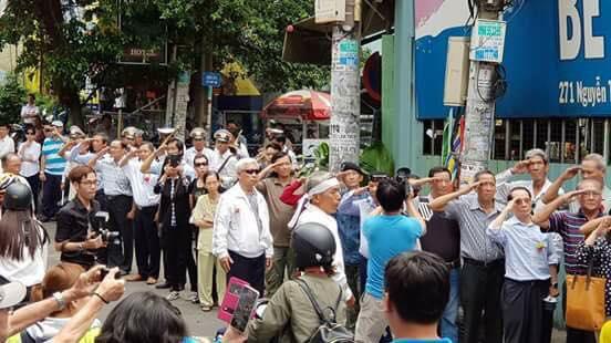 Image result for hình ảnh đám tang của nhạc sĩ Đại Tá Nguyễn Văn Đông