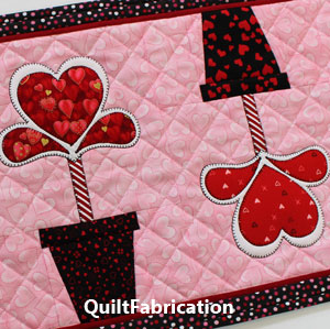 LOVE IN BLOOM-TABLE RUNNER-QUILT PATTERN-VALENTINES-HEARTS-FLOWERS