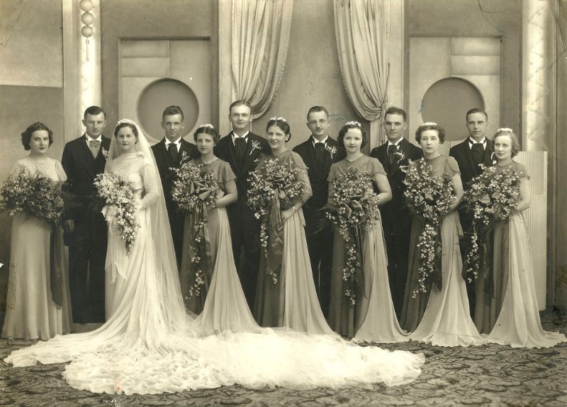 1930s Wedding Gowns: The Bigger, The More Elegant: These Cool Wedding Gowns