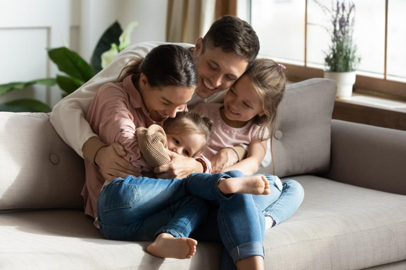 Evde çocuklarla vakit geçirirken iletişimin önemi