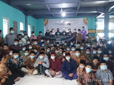 Komunitas Aplikator Epoxy Indonesia Santuni 500 Santri Yatim & Dhuafa