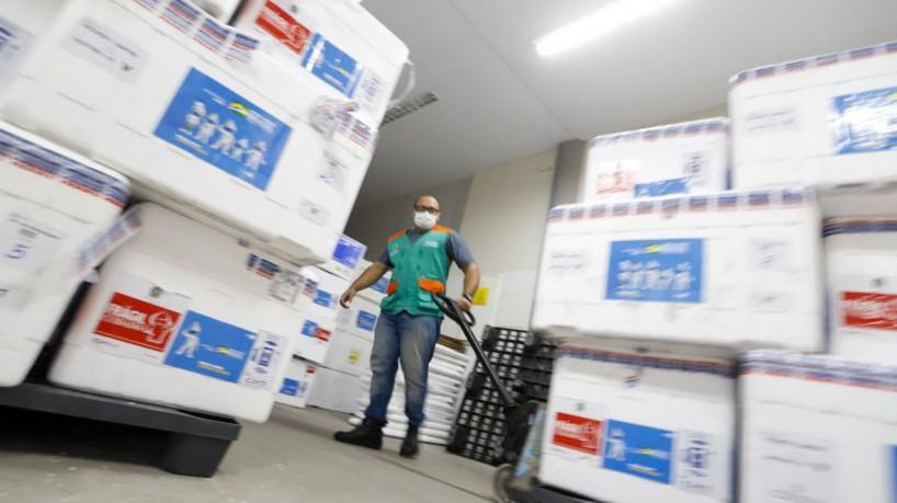 Ceará recebe novo lote para aplicação de segunda dose da Astrazeneca