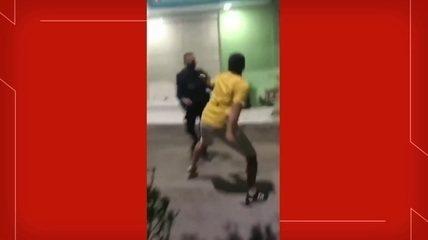 VÍDEO: Filho de ex-vereador e PM de serviço trocam socos e empurrões em briga durante ocorrência de aglomeração em Crateús
