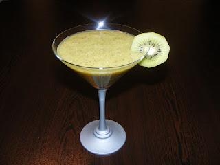 retete bauturi si cocktailuri alcoolice de fructe,