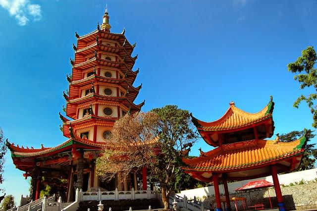 Wisata Pagoda Watungong di Semarang
