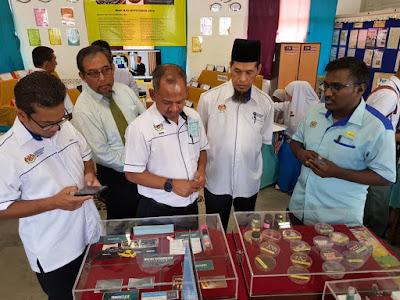 Dr Haji Ahmad Rafee Che Kassim merasmikan Karnival STEM : Angkasa 2018