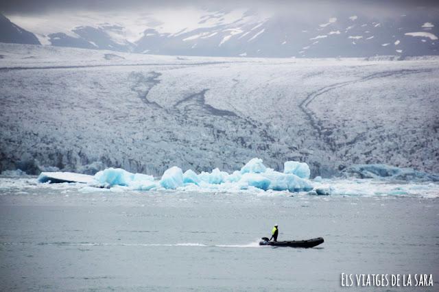 Dia 5: Excursió al glaciar Vatnajökull, Svartifoss, Fjallsárlón i visita a Jökulsárlón
