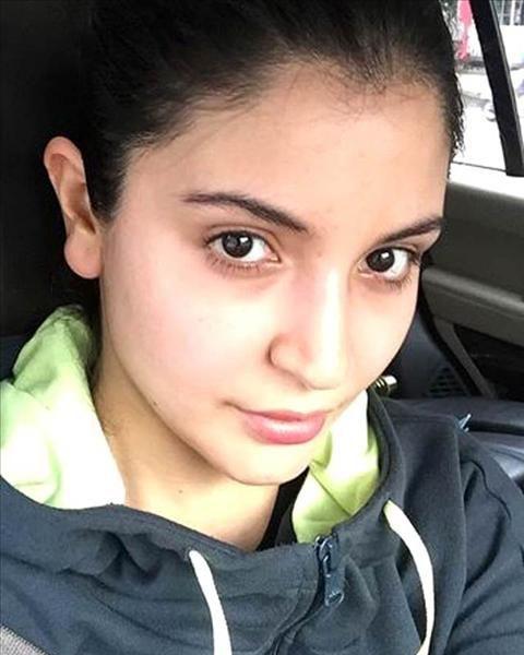 Anushka Sharma without makeup photo