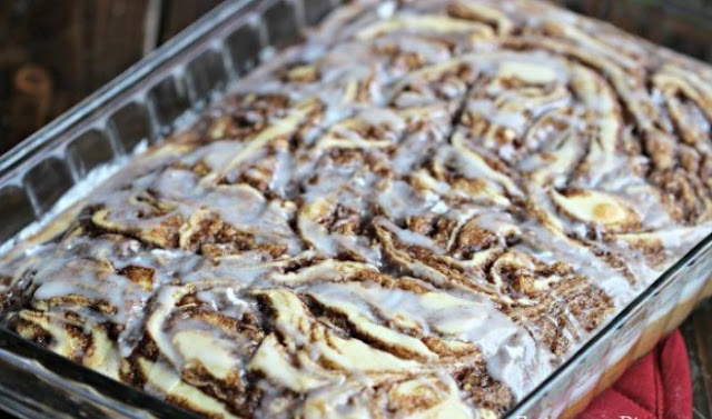 THE BEST CINNAMON ROLL CAKE RECIPE #easyrecipe #rollcake