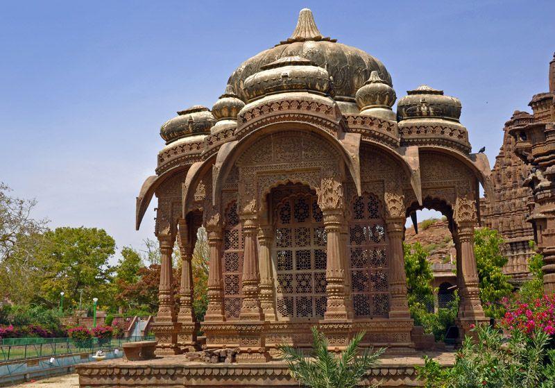 Храм Ачал Натх Шивалайя