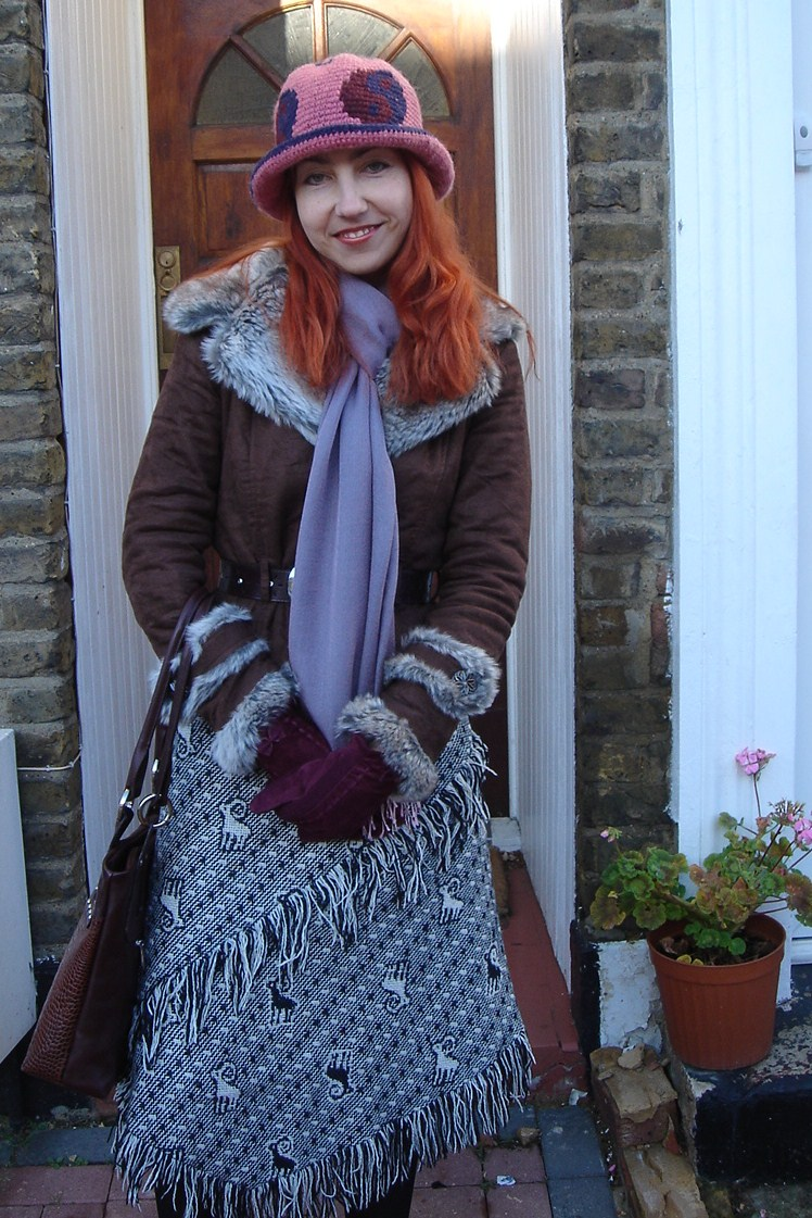 Local Fashion: Outfit Post: Hatting Around