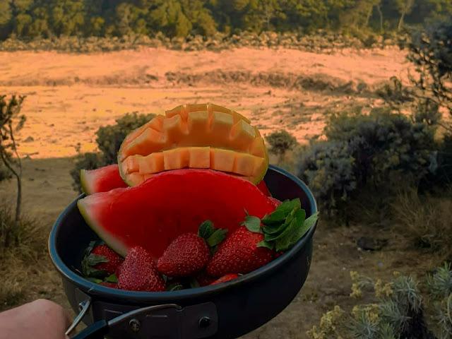 Makanan yang dapat memenuhi kebutuhan kamu selama naik gunung