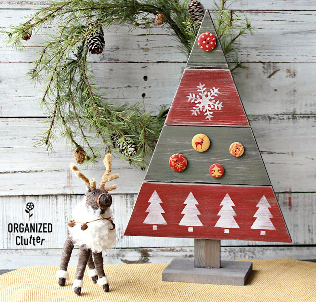 Decorating a Hobby Lobby Wooden Christmas Tree Cutout #Christmas #Christmasdecor #Christmastree #DIYChristmasdecor #Christmascrafts