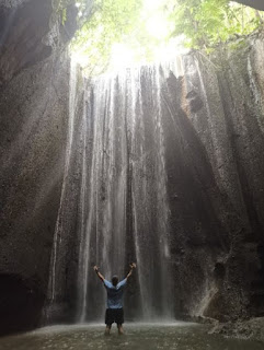 Tukad Cepung Waterfall, Isla de Bali.