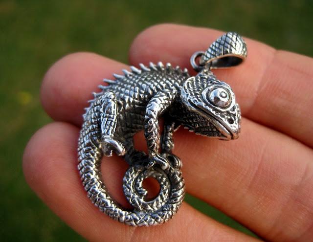 Antique Style Silver Lizard Pendant