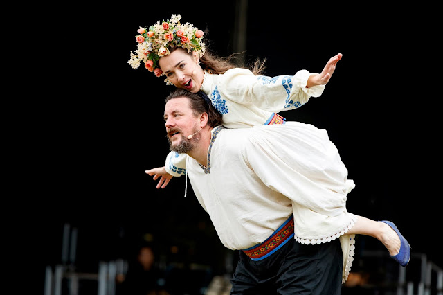 Mozart: Don Giovanni - Benedict Nelson, Olivia Warburton - Nevill Holt Opera (photo Lloyd Winters)