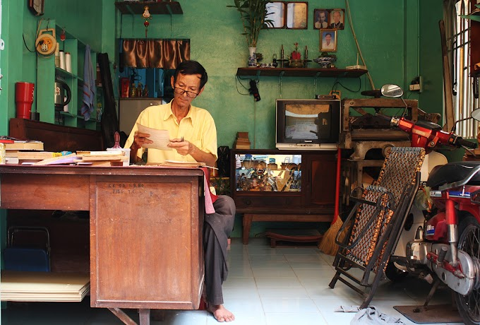 The last book restorer of Saigon