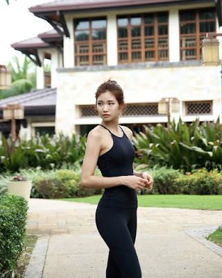 Lee Hee Eun pamer Legging ketat dan seksi manis hot